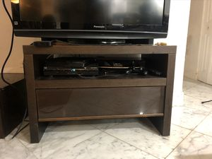 Solid wood TV stand. Like new. for Sale in Miami Beach, FL