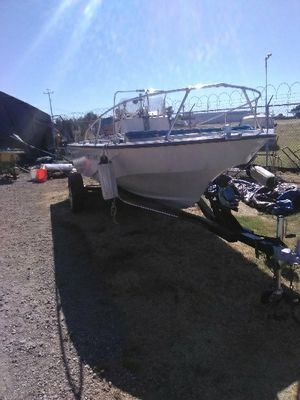 1985 Boston Whaler outrage 19 and a half foot with trailer for Sale in Bethel Island, CA