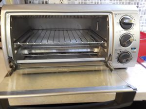 Small Black & Decker toater oven for Sale in Tampa, FL