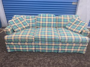 Plaid sofa (DELIVERY INCLUDED) for Sale in Beaverton, OR