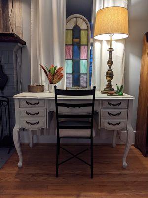 Vintage Sewing Table / Desk for Sale in Farmington Hills, MI