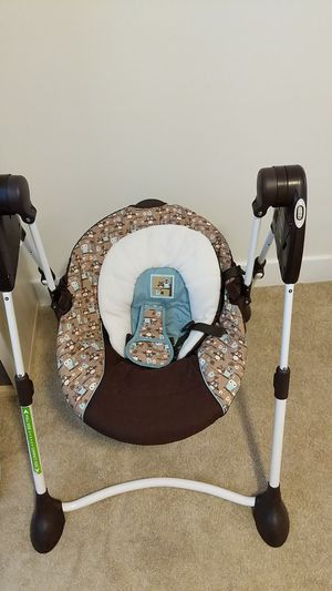 Graco Baby Swing for Sale in Laurel, MD