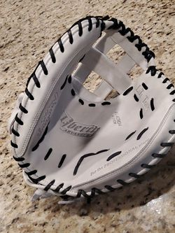 Fastpitch Softball Catchers Glove for Sale in Norco,  CA