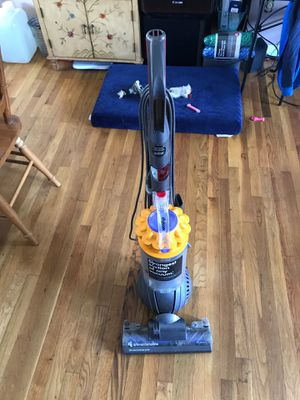 Dyson rollerball pet vacuum just serviced works perfect for Sale in Beachwood, NJ