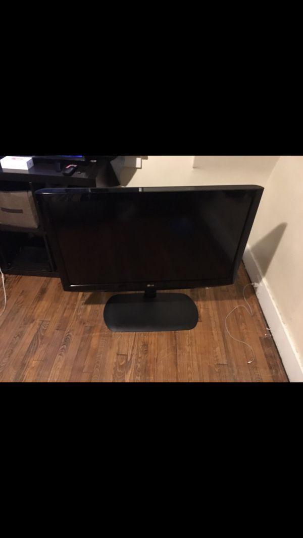 Queen Bed frame 40 obo lg tv 42 inch 60 obo