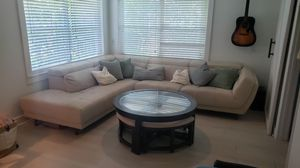 coffee table with stools for Sale in Riverview, FL