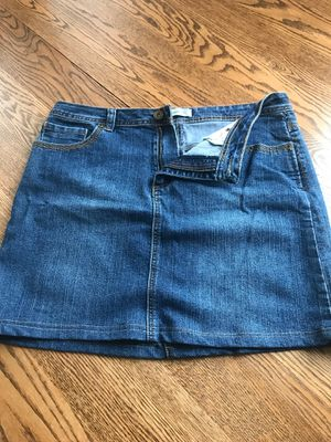 Dress Barn denim skirt. Tag removed but fits size 12. for Sale in Index, WA