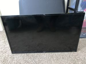 TCL 32 inch Roku Smart LED TV w/ Remote for Sale in Marietta, GA
