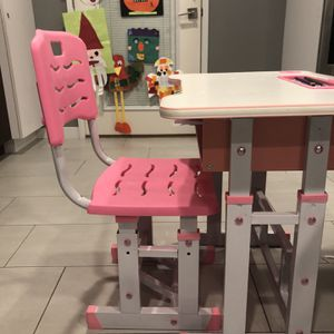 Kids Desk (age 4-10) In Blue for Sale in Los Angeles, CA