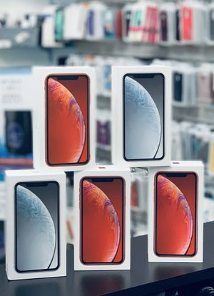 iPhone XR 64 gig unlocked for Sale in Kissimmee, FL