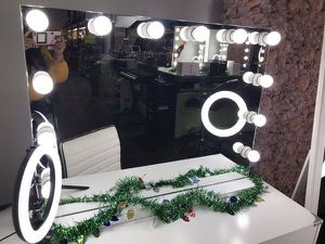 "🎁🎁Big White Hollywood Vanity Mirror 24""x36""🎁🎁 for Sale in Chino, CA"