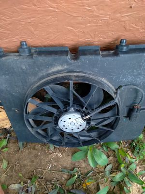 Mercedes benz C 320 Fan for Sale in Fort Worth, TX