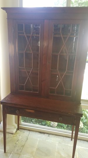 Antique China Hutch for Sale in Lancaster, OH