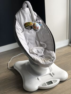 4moms mamaRoo baby swing for Sale in Chicago, IL