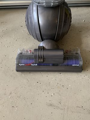 Dyson Ball Animal 2 Bagless Upright Vacuum cleaner for Sale in South Riding, VA