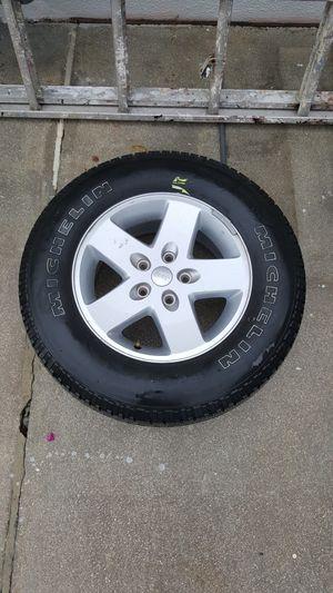 ONE Jeep Spare Wheel/Tire for Sale in Miami, FL