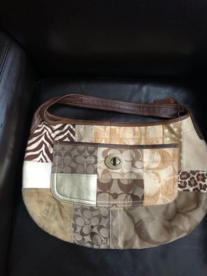 Gently worn authentic coach bag for Sale in Middletown, DE