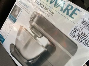 Farberware 4.7 quart stand mixer for Sale in Thomasville, NC