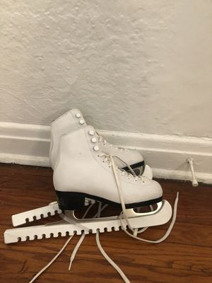 Youth size 3 figure skates for Sale in Los Angeles, CA