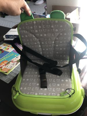 Portable child booster seat and storage holder for toys for Sale in Encinitas, CA