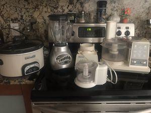 Crock pot, food processor , blender for Sale in Miami Beach, FL