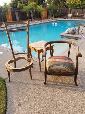 Two vintage chairs& table 50.00 for Sale in Clovis, CA