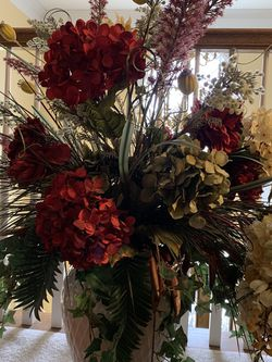 Huge Floral Arrangement for Sale in Lexington,  KY
