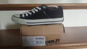 World industries youth size 4,5 black/white looks like converse shoes for Sale in Gig Harbor, WA