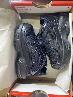 Black Nike Air Max plus -BRAND NEW NEVER WORN for Sale in Everett, MA