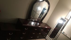 Mahogany Wood Full Bed and Dresser Set for Sale in Cleveland, OH