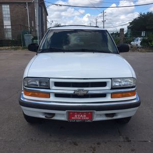 Chevy blazer 01 for Sale in Houston, TX