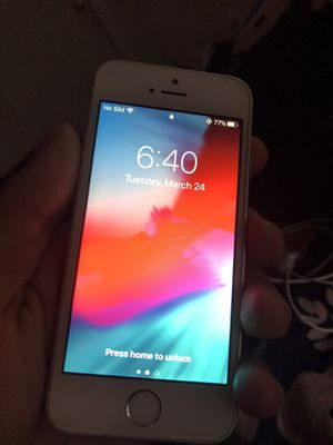 iPhone SE unlocked for Sale in Centreville, VA