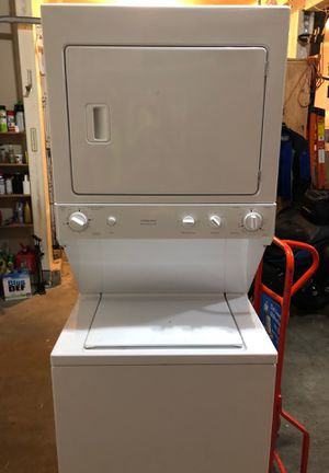 GE stackable washer and dryer laundry center GAS for Sale in Auburn, WA
