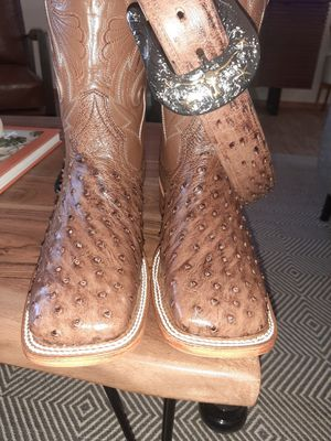 original boots in 320 and with the belt 400 thanks for Sale in Wichita, KS