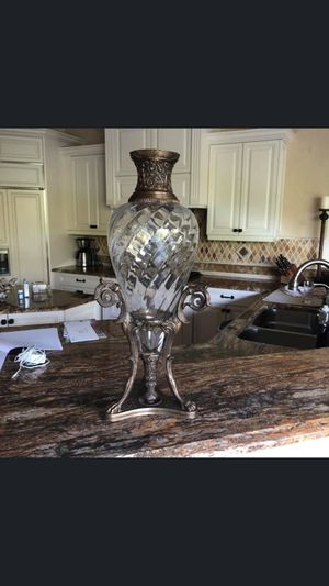 Bronze and crystal vase 🏺 for Sale in Miami, FL