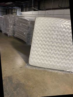 Discounted king mattress 6 A for Sale in South Gate,  CA