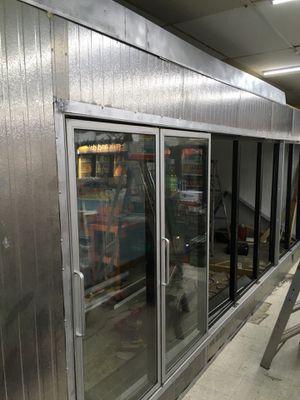 Working cooling glass door for Sale in Auburndale, FL