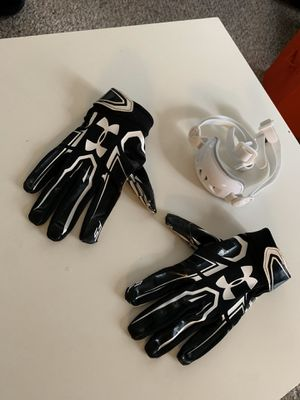 Under Armour Football Gloves and Football Chinguard ( Medium) for Sale in Winter Garden, FL