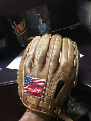 Softball glove for $20 for Sale in Concord, CA