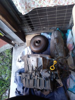 2004 ford Taurus transmission for Sale in Pittsburgh, PA