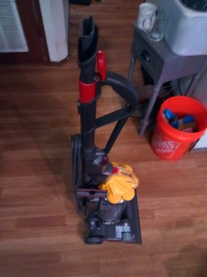 Dyson multi surface vaccuum DC 33 for Sale in Lake Stevens, WA