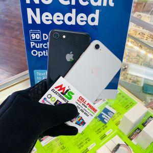 iPhone 8 factory Unlocked for Sale in St. Petersburg, FL