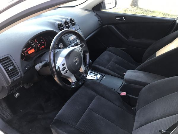 2008 Nissan Altima, clean tittle ,125,620 miles