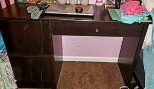 Nice computer desk for Sale in Pasadena, MD