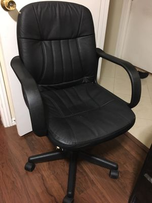 Office Desk Computer Gaming Chair for Sale in Fountain Valley, CA