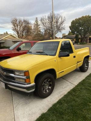 I'm selling my 91 Chevy 8 cyl. 5.7 good strong truck, still has lots of life, great for someone who wants a single cab. Truck has passed smog and ha for Sale in Fresno, CA