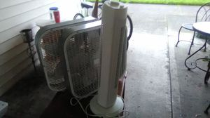 Two box fans and an air cleaner for Sale in Puyallup, WA
