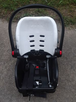 Graco Car Seat with Base for Sale in Portsmouth, VA