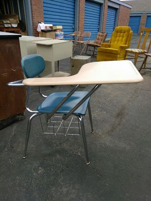 !!!/School desk chairs $10each OBO delivery available !!! for Sale in Wichita, KS