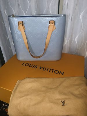 💯 Louis Vuitton Authentic Vernis Leather Tote Bag in excellent condition for Sale in North Las Vegas, NV